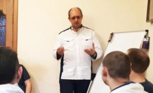 Михаил Борисович Ингерлейб провел занятие в мужском реабилитационном центе