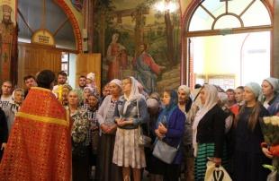 В Троицком храме Ростова в День трезвости  совершено  молебное  пение  о страждующих недугом винопития