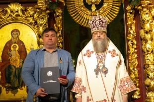 Митрополит Ростовский и Новочеркасский Меркурий наградил С.В. Горяинова медалью священномученика Николая Попова