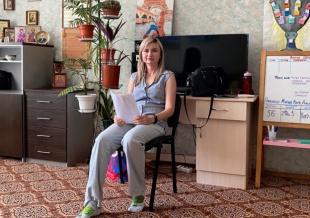 В женском Центре выполняли психологические разминки и упражнения